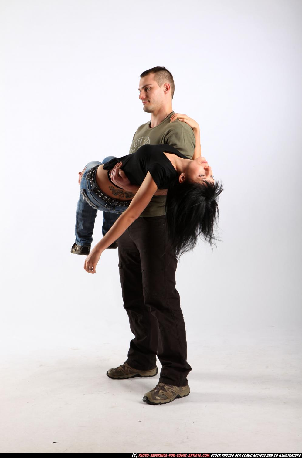 Image from Wounded In Battle - 103632010_03_couple_carrying_wounded_01.jpg