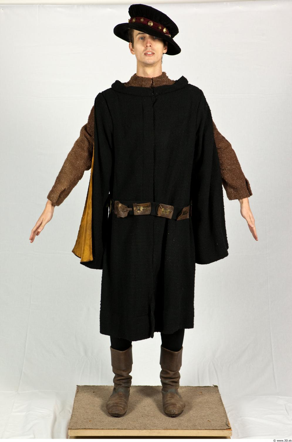 Image from Mediaval costume photo references - 518930costumes570041.jpg