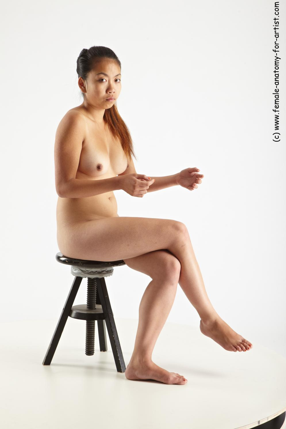 Image from Female-Anatomy-for-Artists.com - marianna_sitting_24.jpg